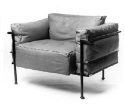Grand Confort 1 Seater (Down) designed by Le Corbusier