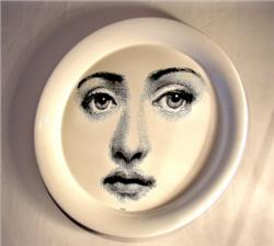 round tray woman face black and white